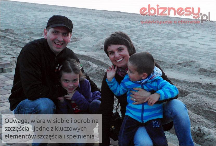 Szczęśliwa rodzina Krzyworączków